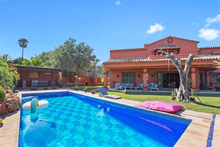 Villa 6 Dormitorios en Venta Marbella