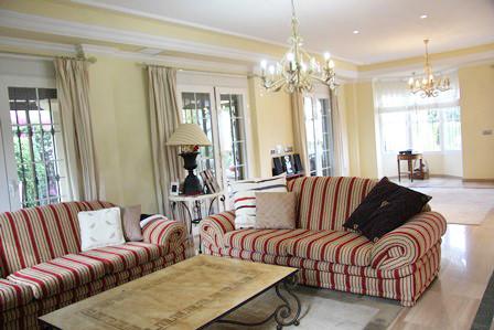 Detached Villa for sale in Marbella R2703014