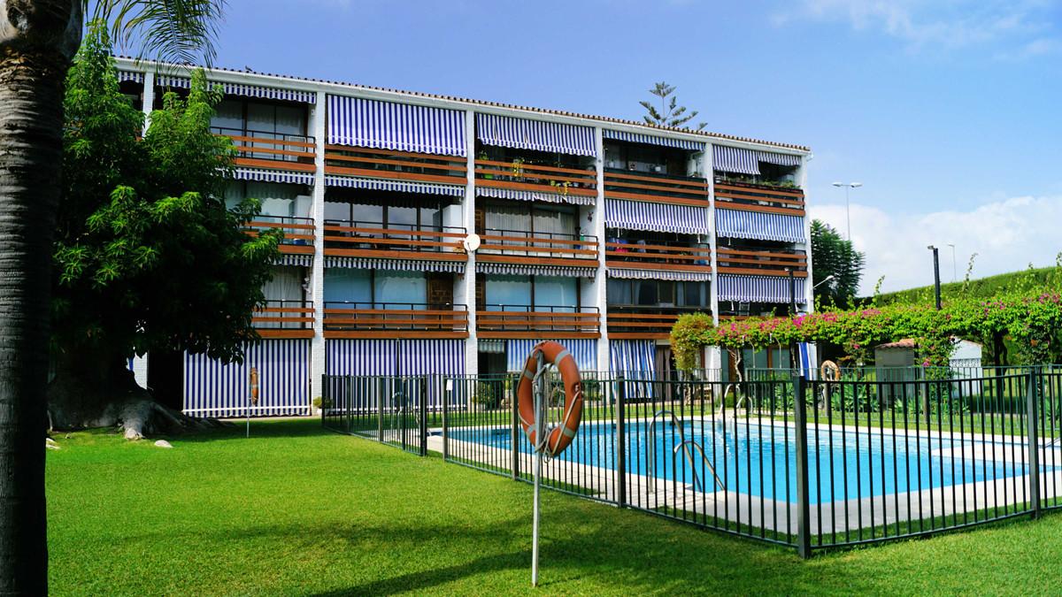 Apartment for sale in Cortijo Blanco, Costa del Sol