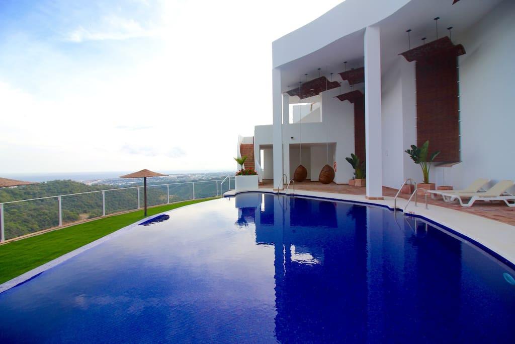 Villa 4 Dormitorios en Venta Istán