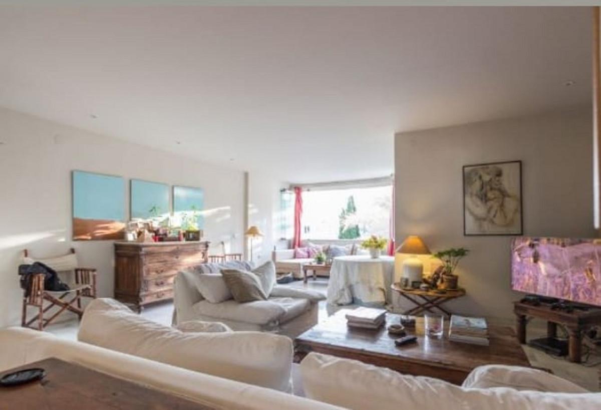 Apartamento Planta Media a la venta en The Golden Mile