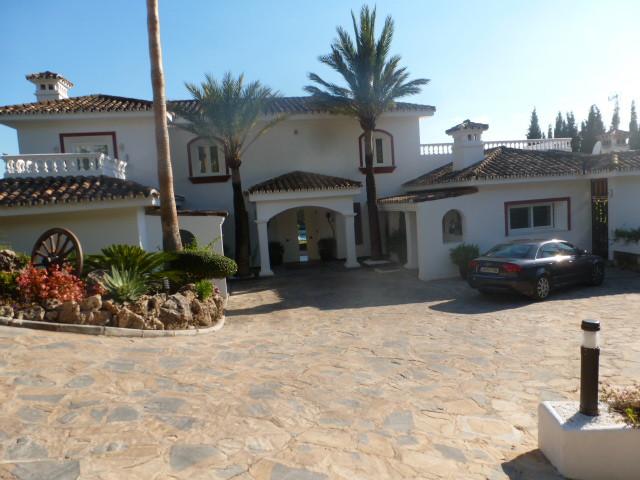 House in Benahavís R2388410 2