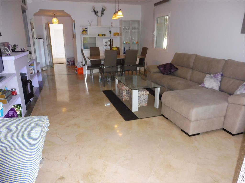 Apartment for sale in El Presidente, Costa del Sol