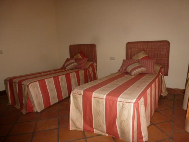 Villa con 6 Dormitorios en Venta The Golden Mile