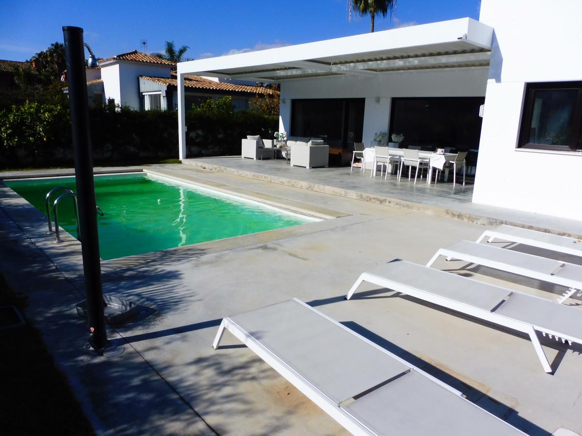 Vrijstaande Villa te koop in Marbella R3339724