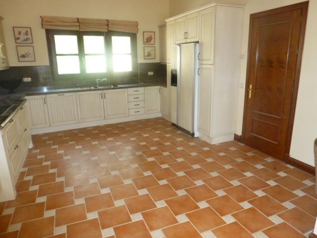 House in Benahavís R2329939 1