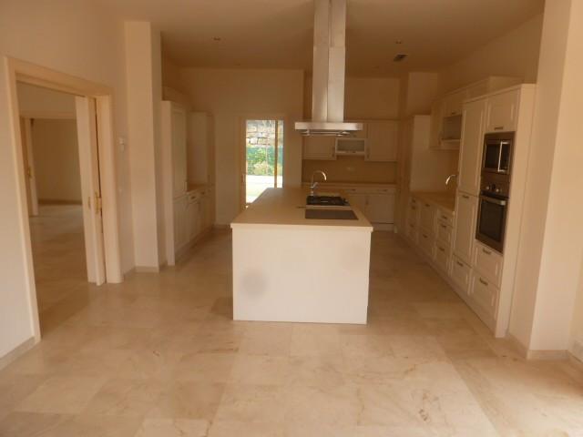 House in Benahavís R2329939 4