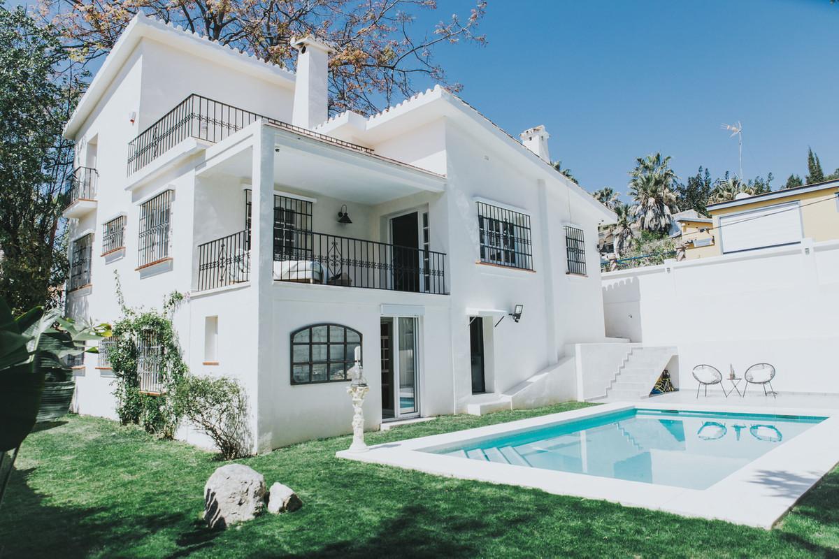 House - La Campana