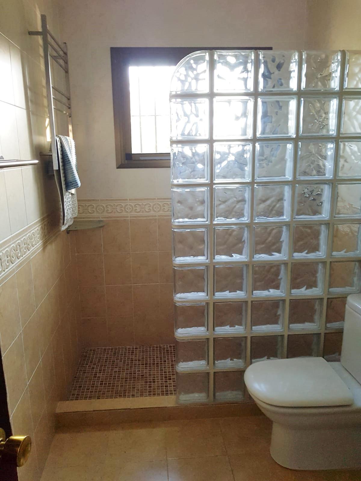 House in Calahonda R3326593 9