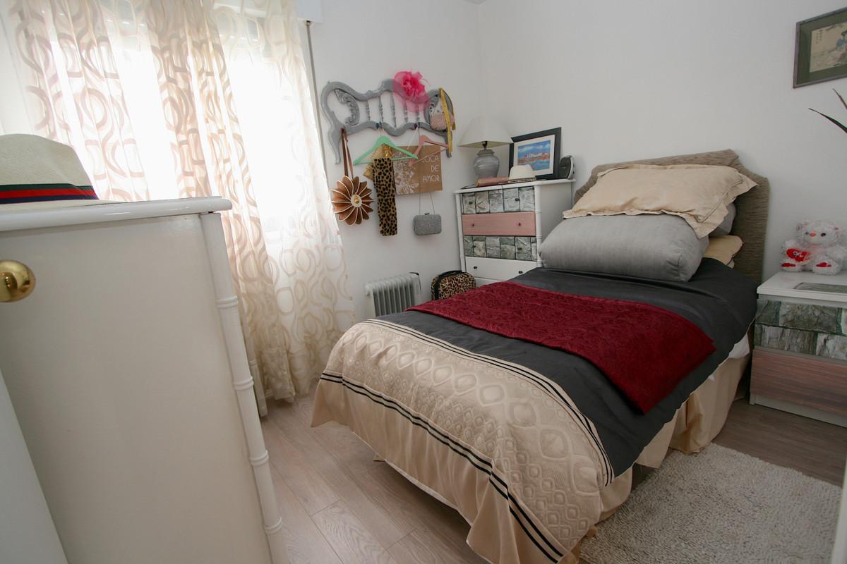 Apartment in Fuengirola R36930 10