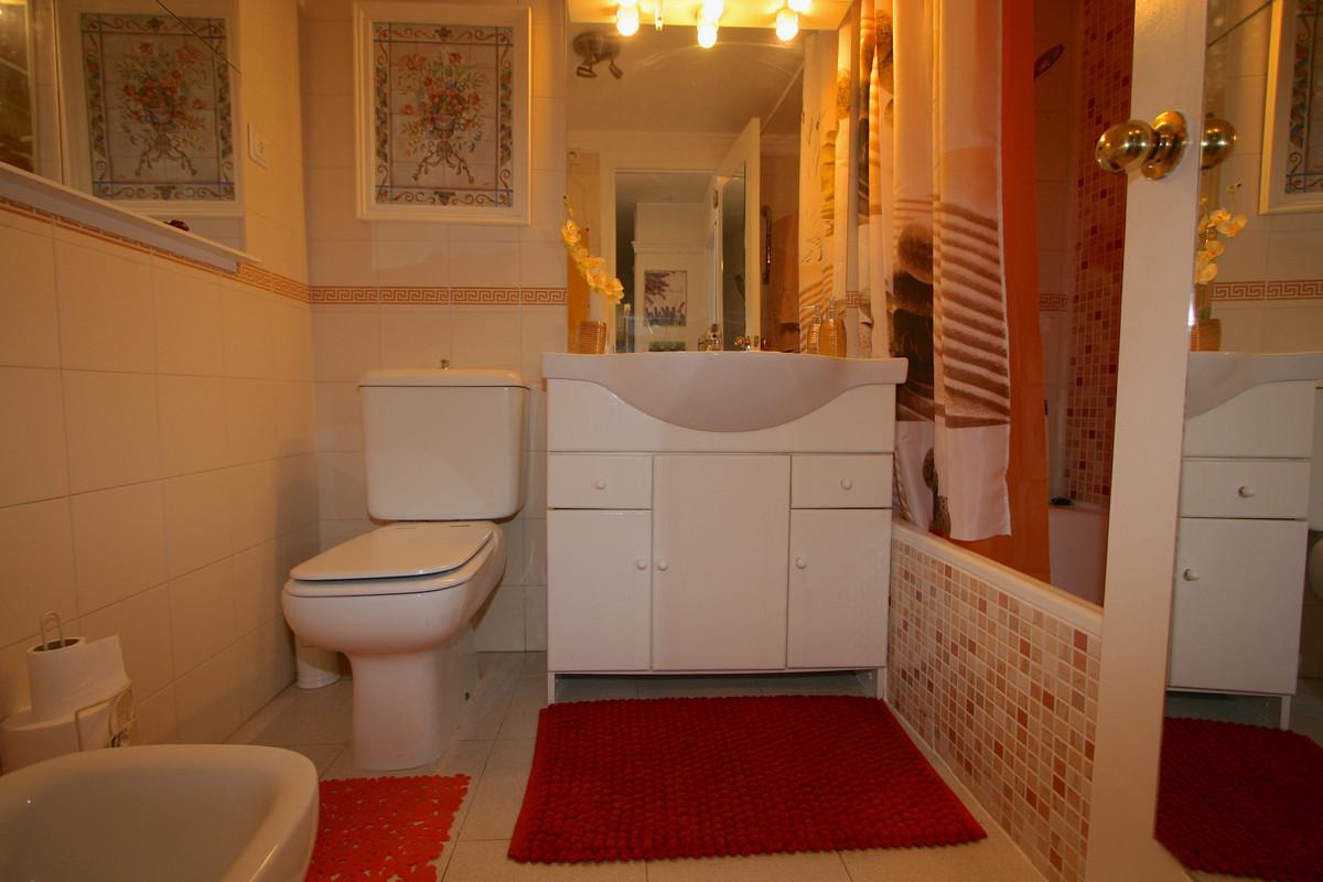 Apartment in Fuengirola R36930 11