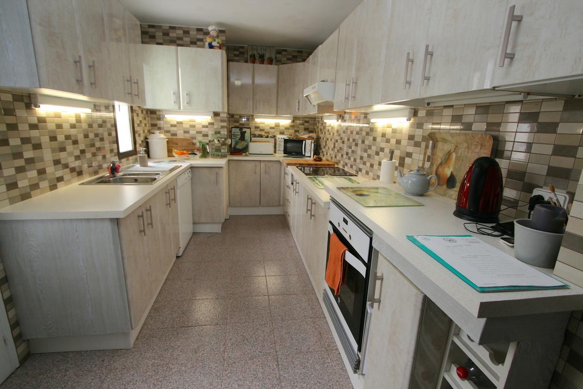 Apartment in Fuengirola R36930 4
