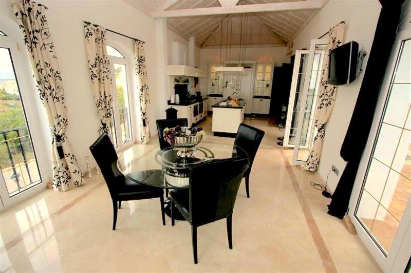 4 Bedroom Villa for sale Mijas