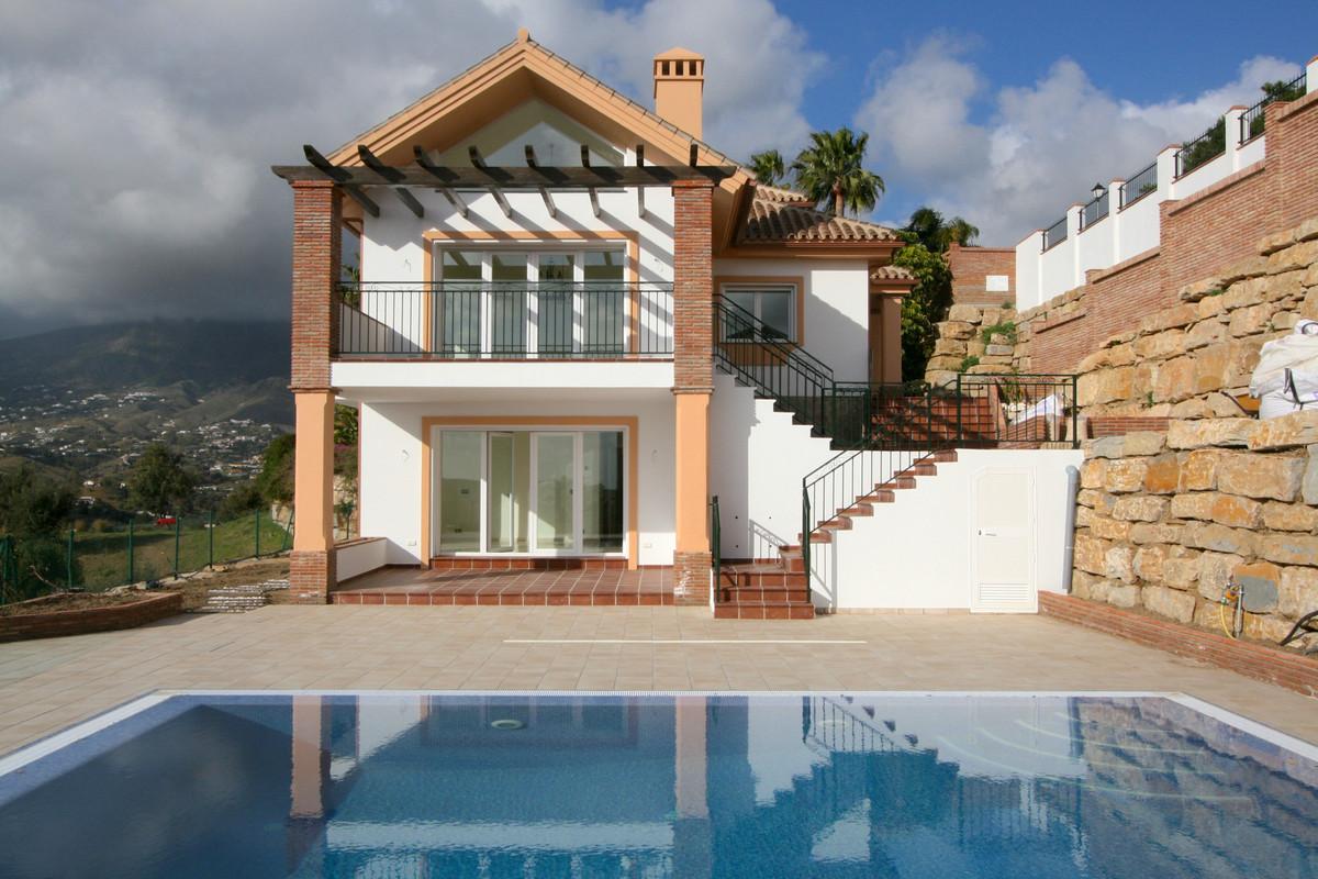 Villa 4 Dormitorios en Venta Sierrezuela