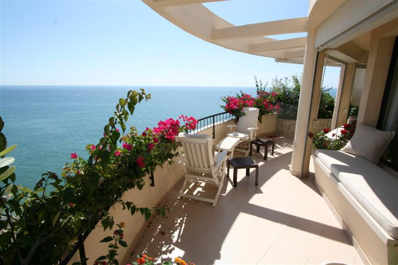 Magnificent frontline beach penthouse with fantastic views from east to west. Two penthouses joined ,Spain