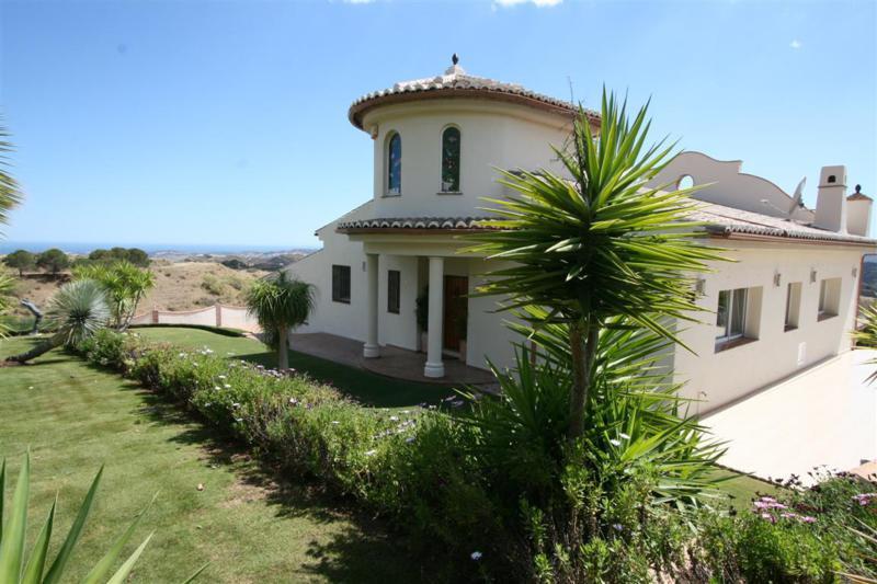 Detached Villa in Mijas R2229311