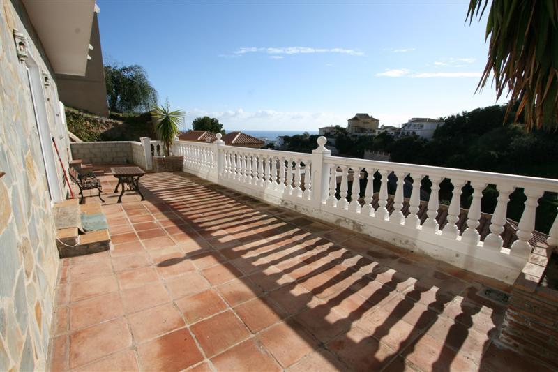 4 bedroom villa for sale fuengirola