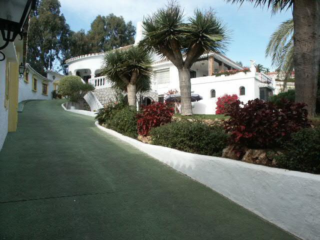 A unique detached villa situated next to a natural green park in Torremuelle, a very quiet and well ,Spain