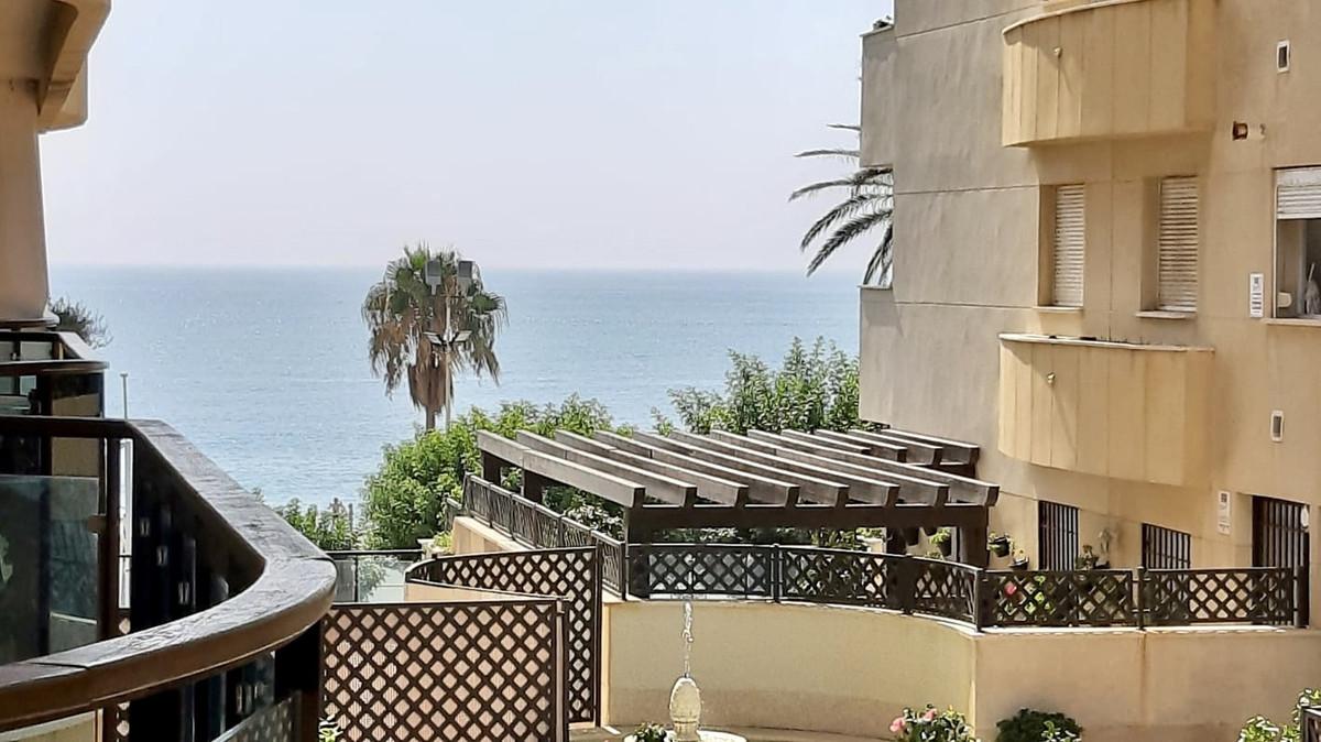Apartment Middle Floor Estepona Málaga Costa del Sol R3505351