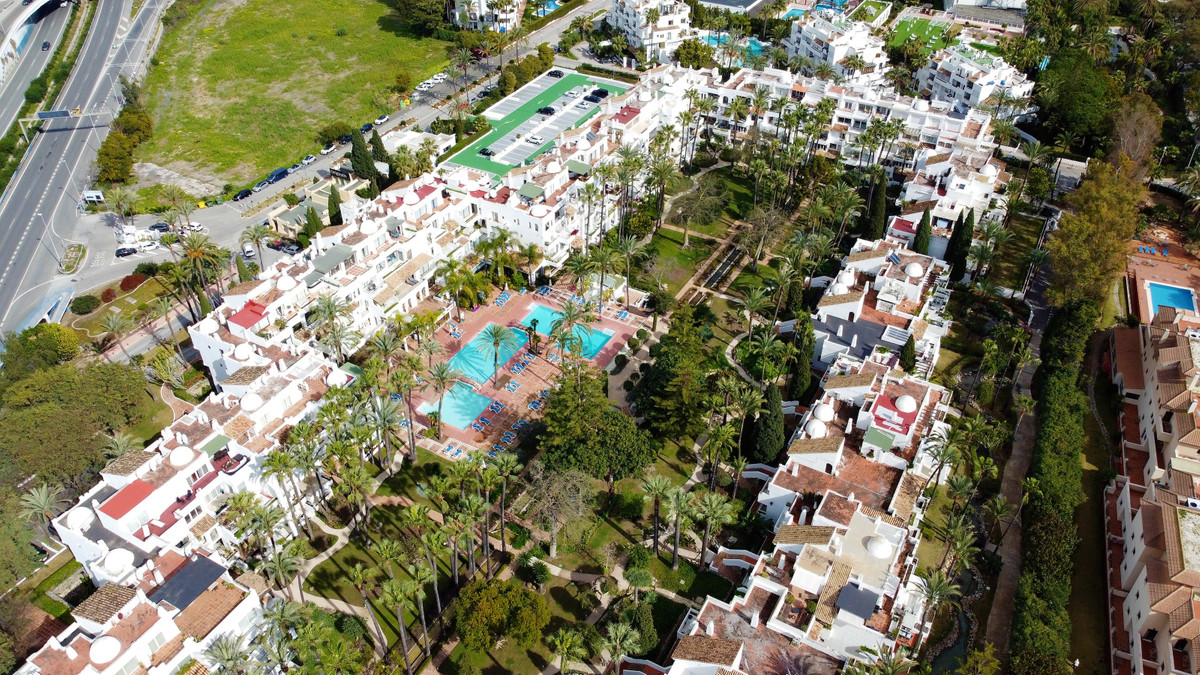 Middle Floor Apartment for sale in Puerto Banús R3236179