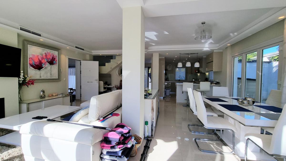 House in Atalaya R3047741 4