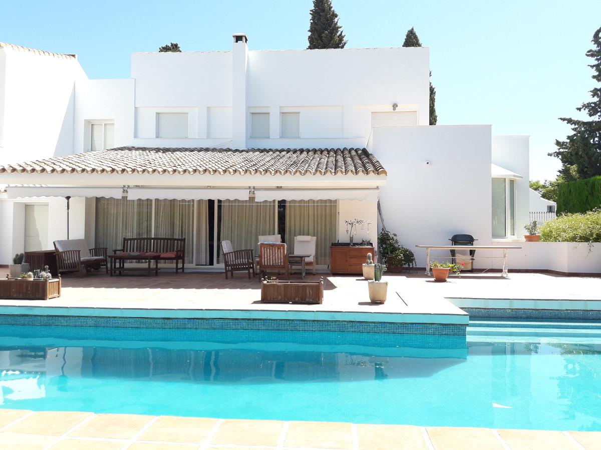 House in Atalaya R3403813 2