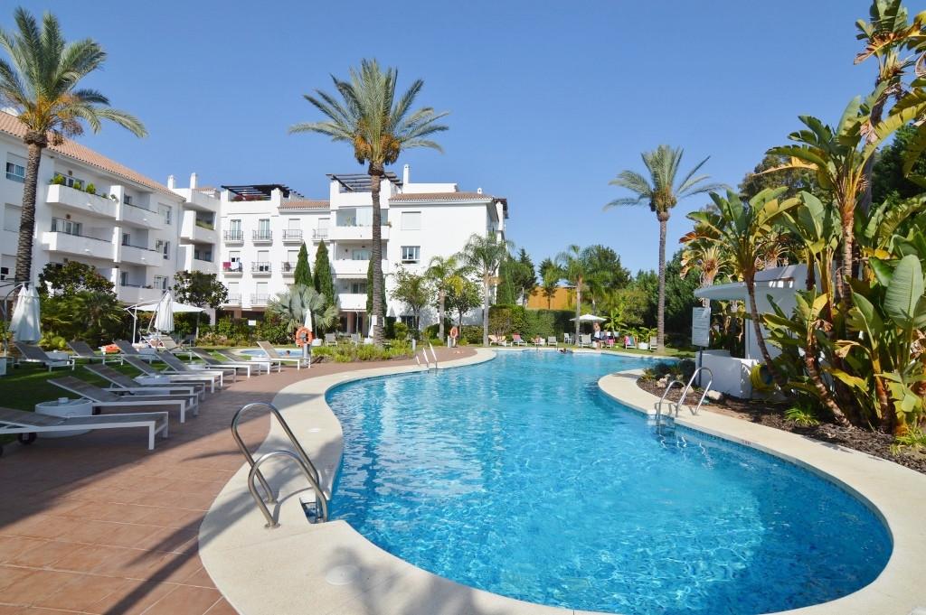 Apartamento 2 Dormitorios en Venta Nueva Andalucía