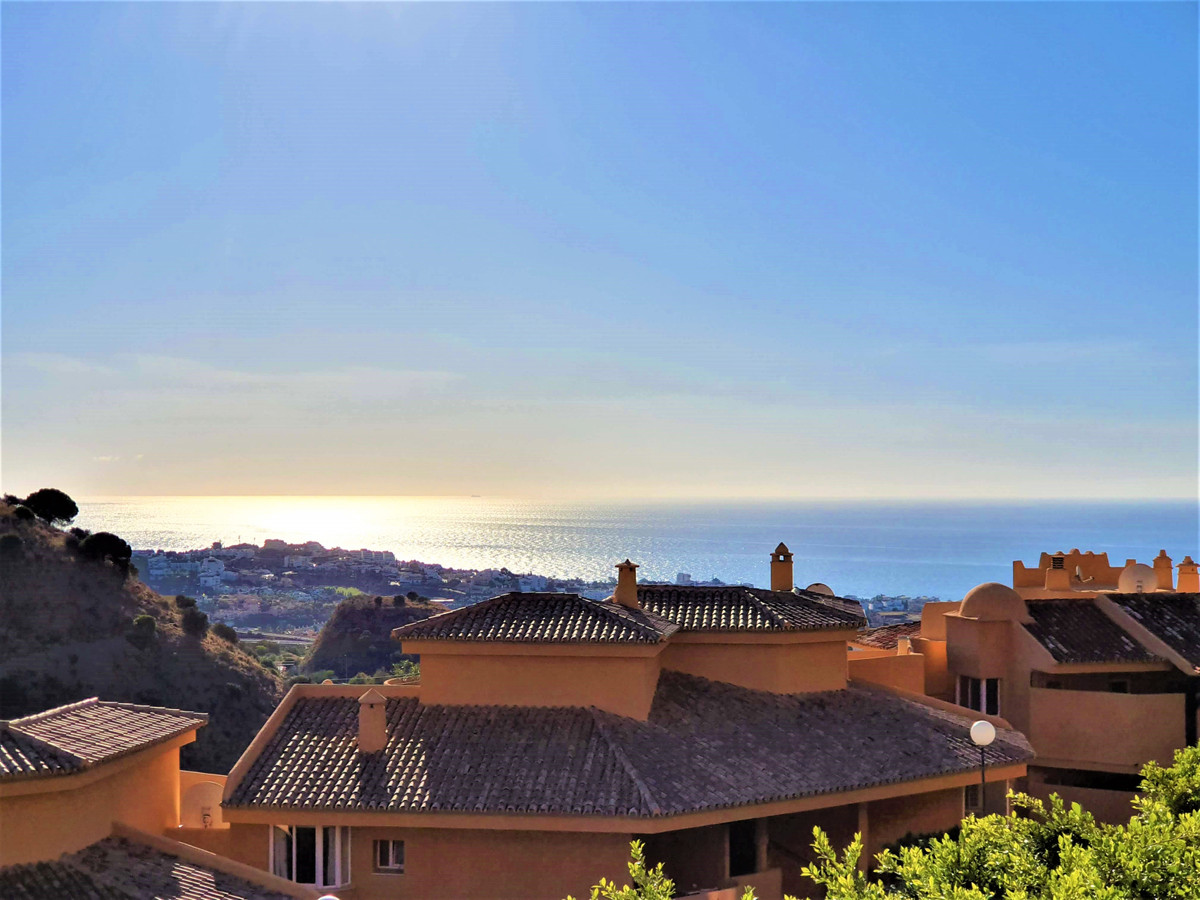 Spectacular corner apartment with incredible sea views, refurbished, with 2 terraces, open kitchen t,Spain