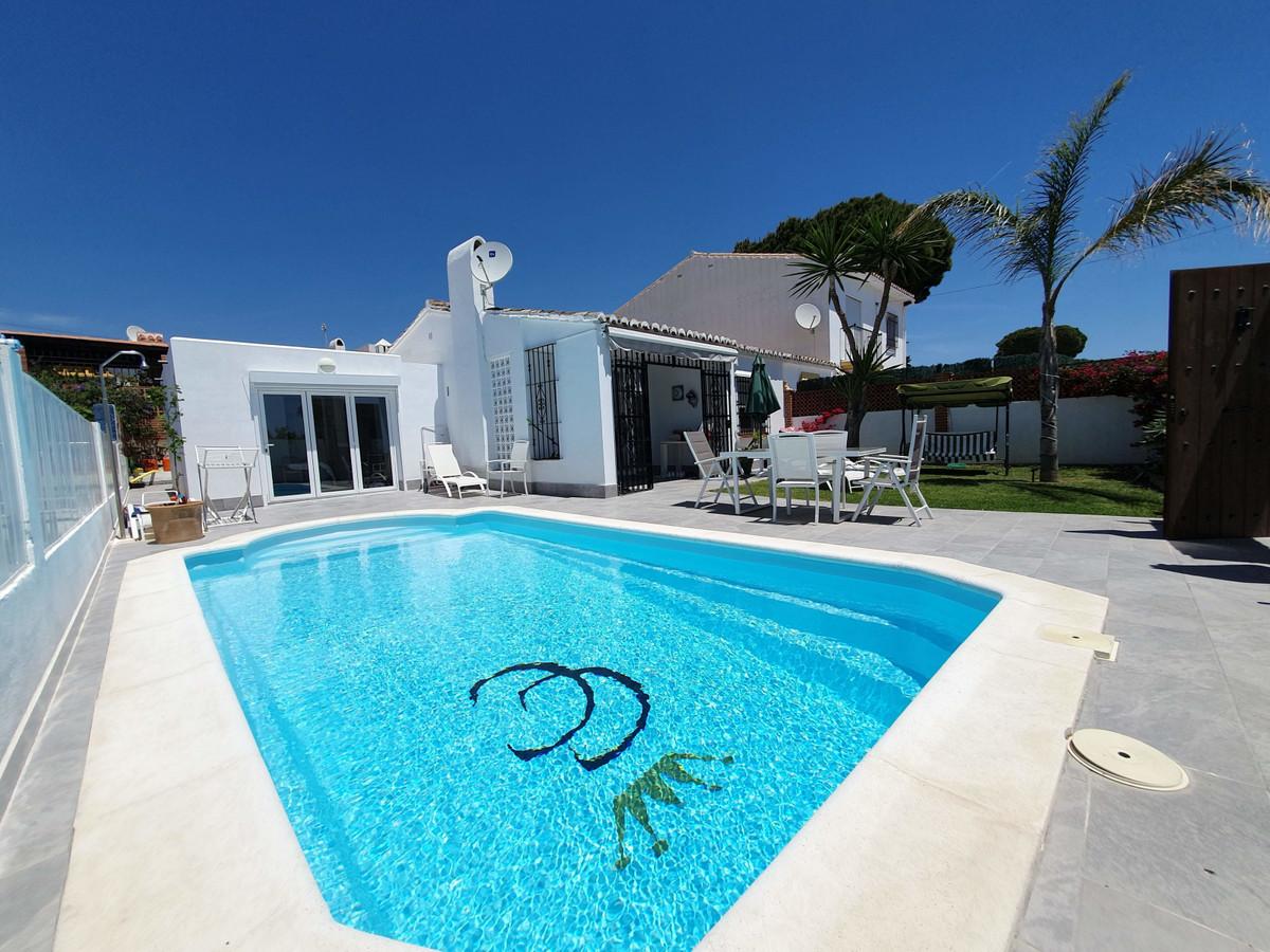 House in Calypso R3436600 1