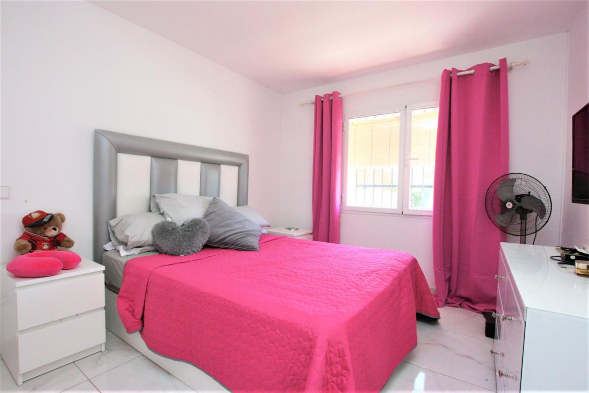 House in Calypso R3436600 6