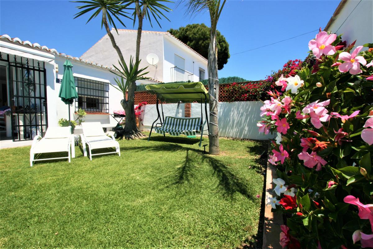 House in Calypso R3436600 9