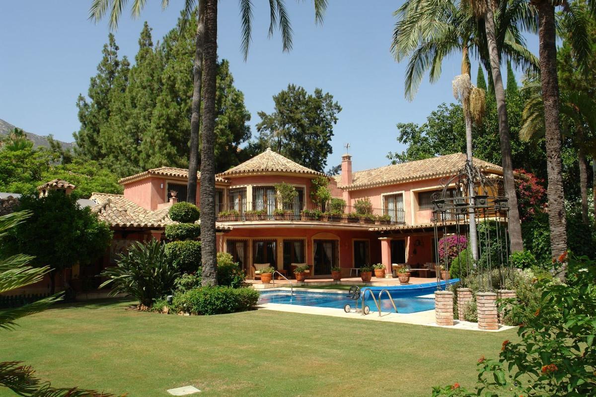 Villa - The Golden Mile