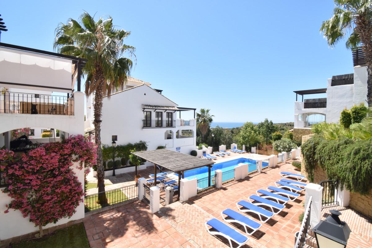 Apartment · Altos De Los Monteros