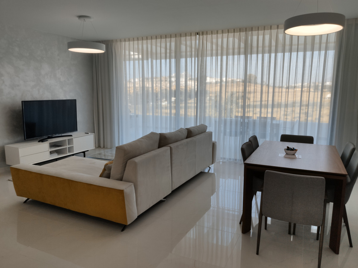 Middle Floor Apartment for sale in Atalaya R3456328
