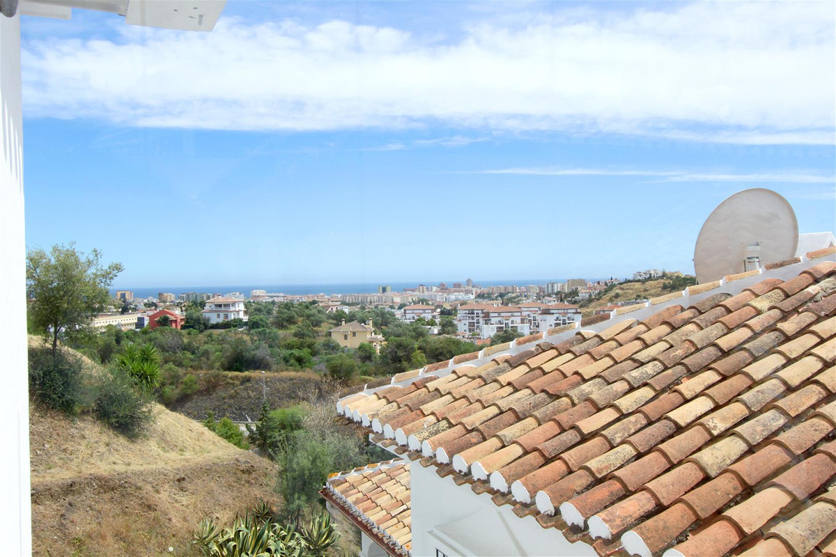 Cosy top floor, 2-bed, 1-bath apartment fully renovated in the pueblo style development, ...........,Spain