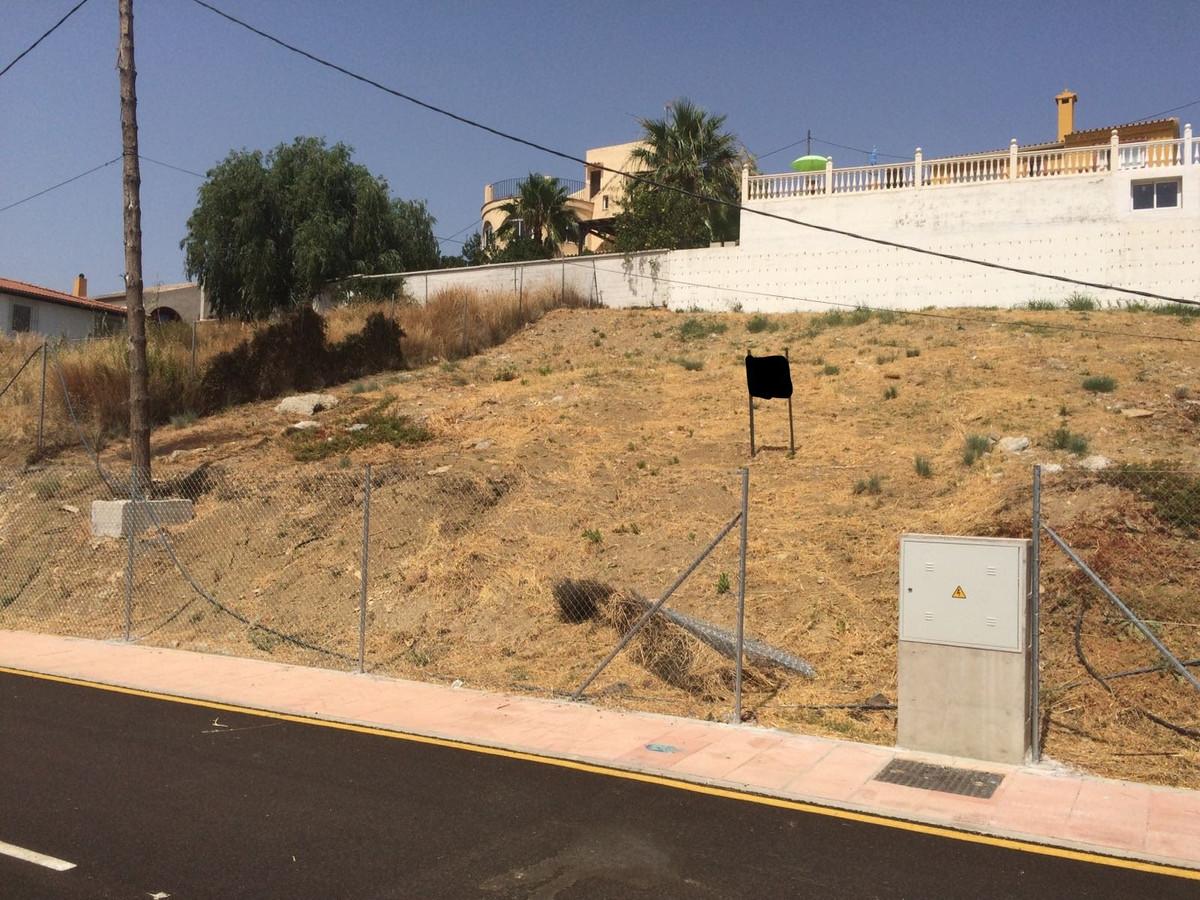 R2954399: Plot for sale in Estepona