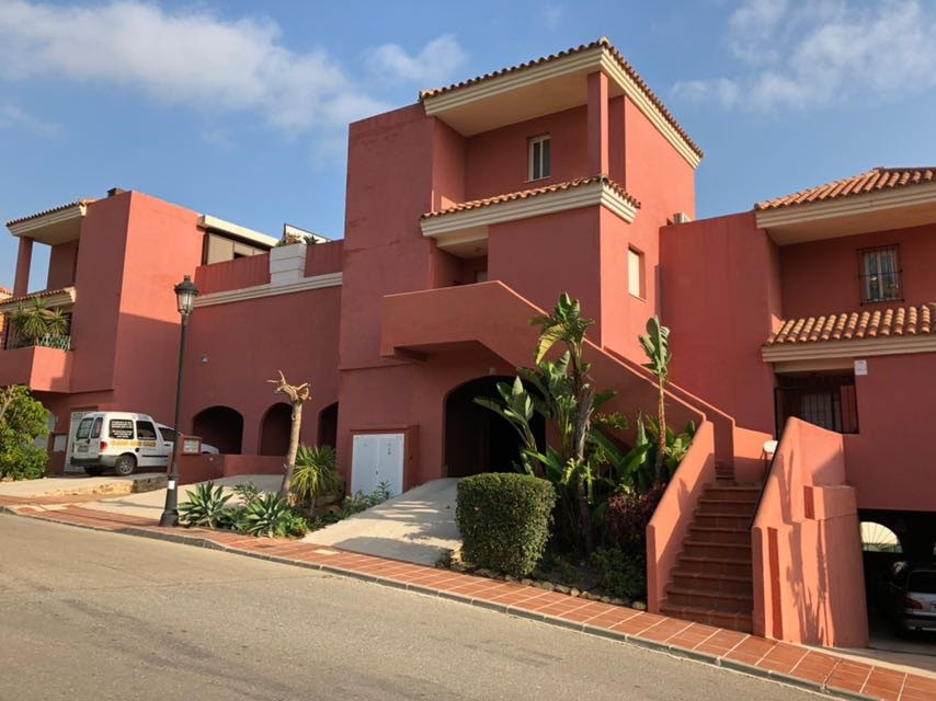 Nice 3 bedroom apartment in two floors with the possibility of adding an extra 30m² as a fourth bedrSpain
