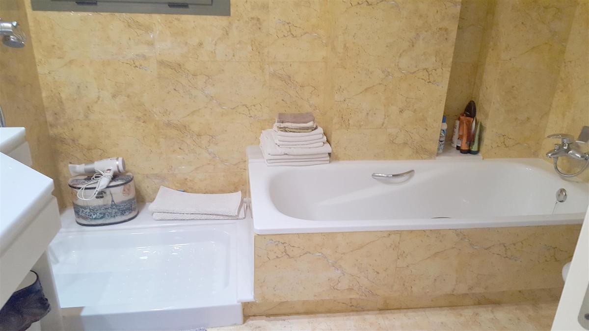 Apartment in Calahonda R3412918 16
