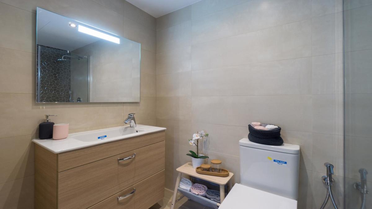 Apartment in Benalmadena Costa R3410365 16