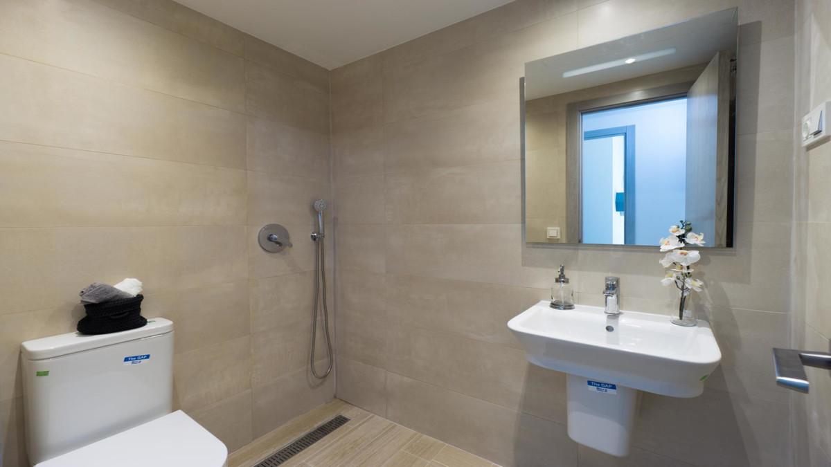 Apartment in Benalmadena Costa R3410365 17