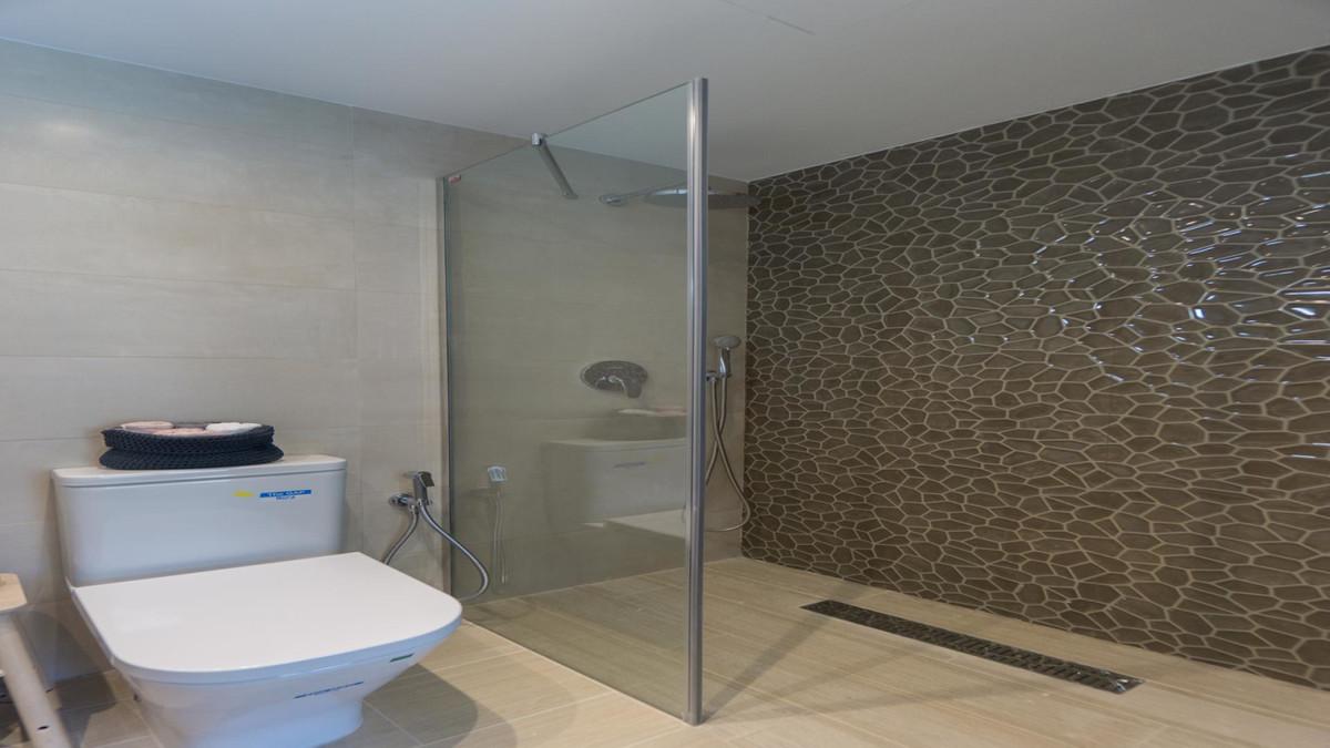 Apartment in Benalmadena Costa R3410365 18