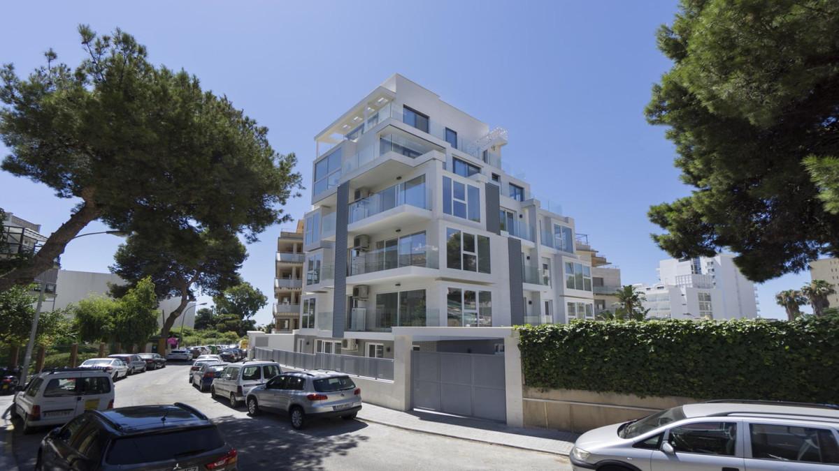 Apartment in Benalmadena Costa R3410365 19