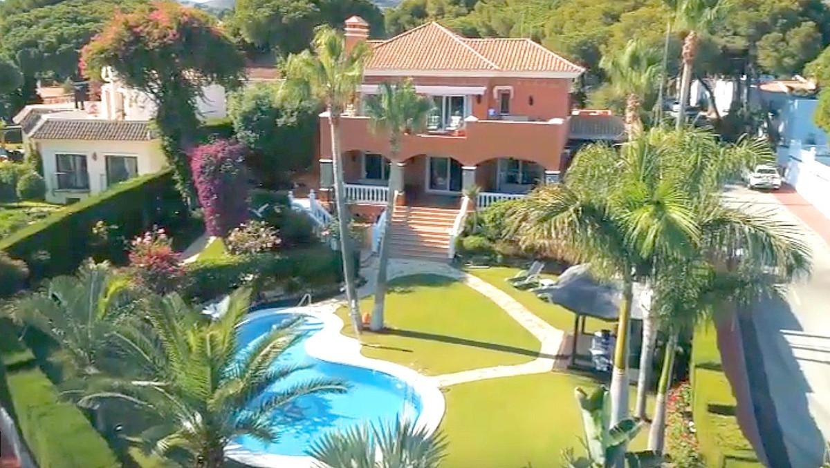 Fritliggende Villa i Calahonda R3501412
