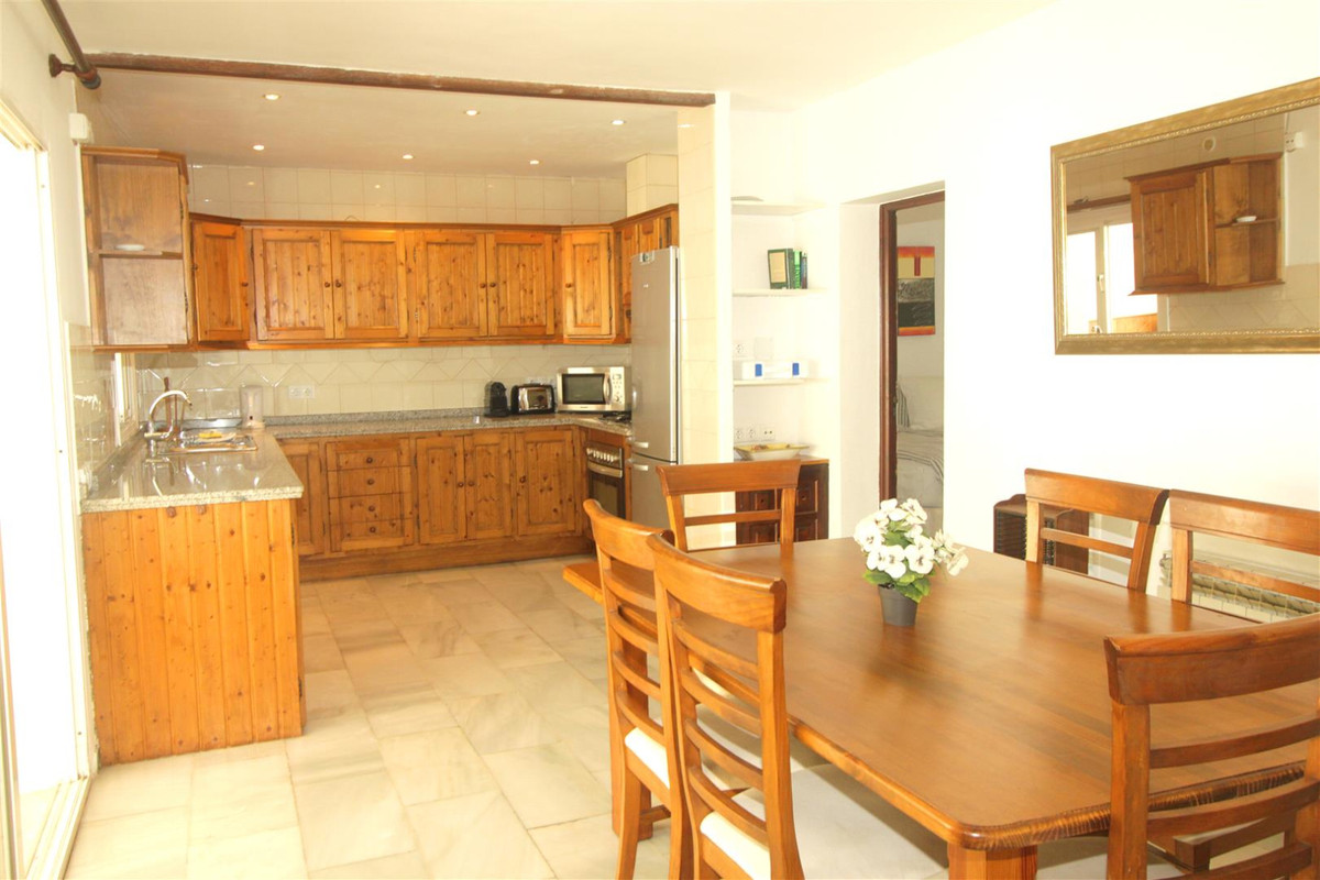 House in Marbella R3239923 6