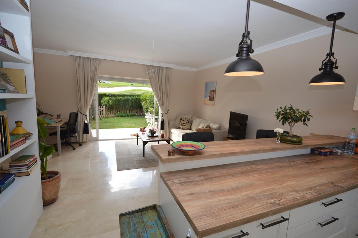 House in Nueva Andalucía R2936495 2