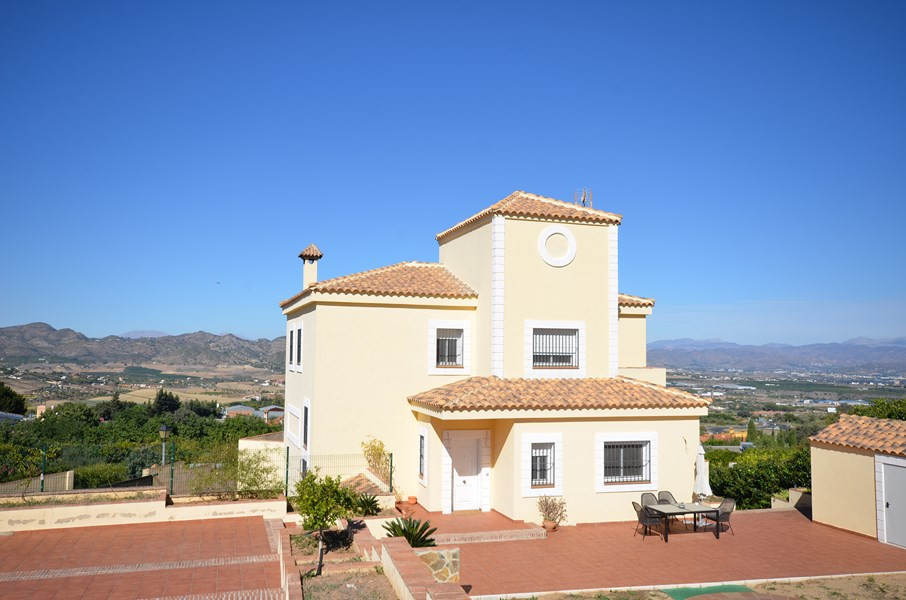Hus in Alhaurín de la Torre R2083838 1