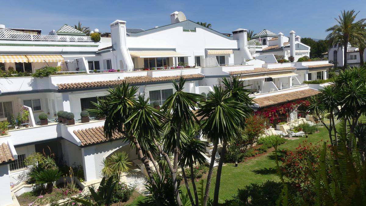 Penthouse in Estepona R3411328
