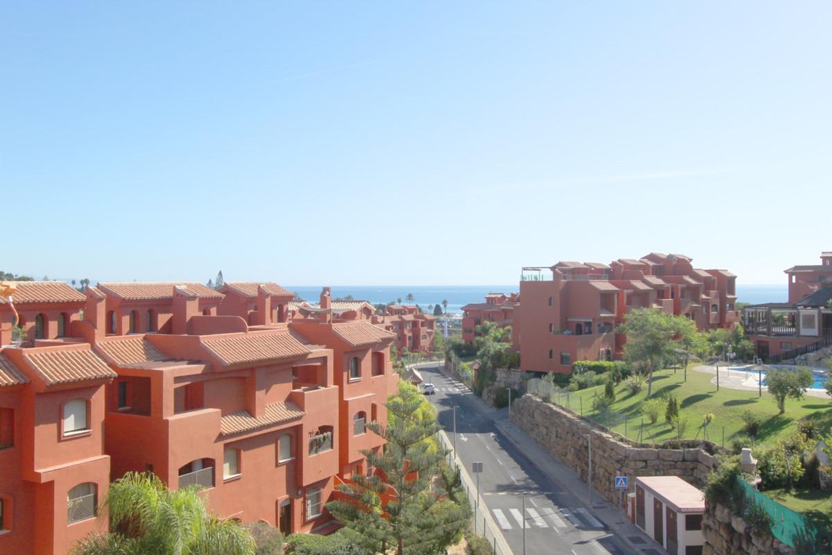 Apartment in Estepona R3526477 10