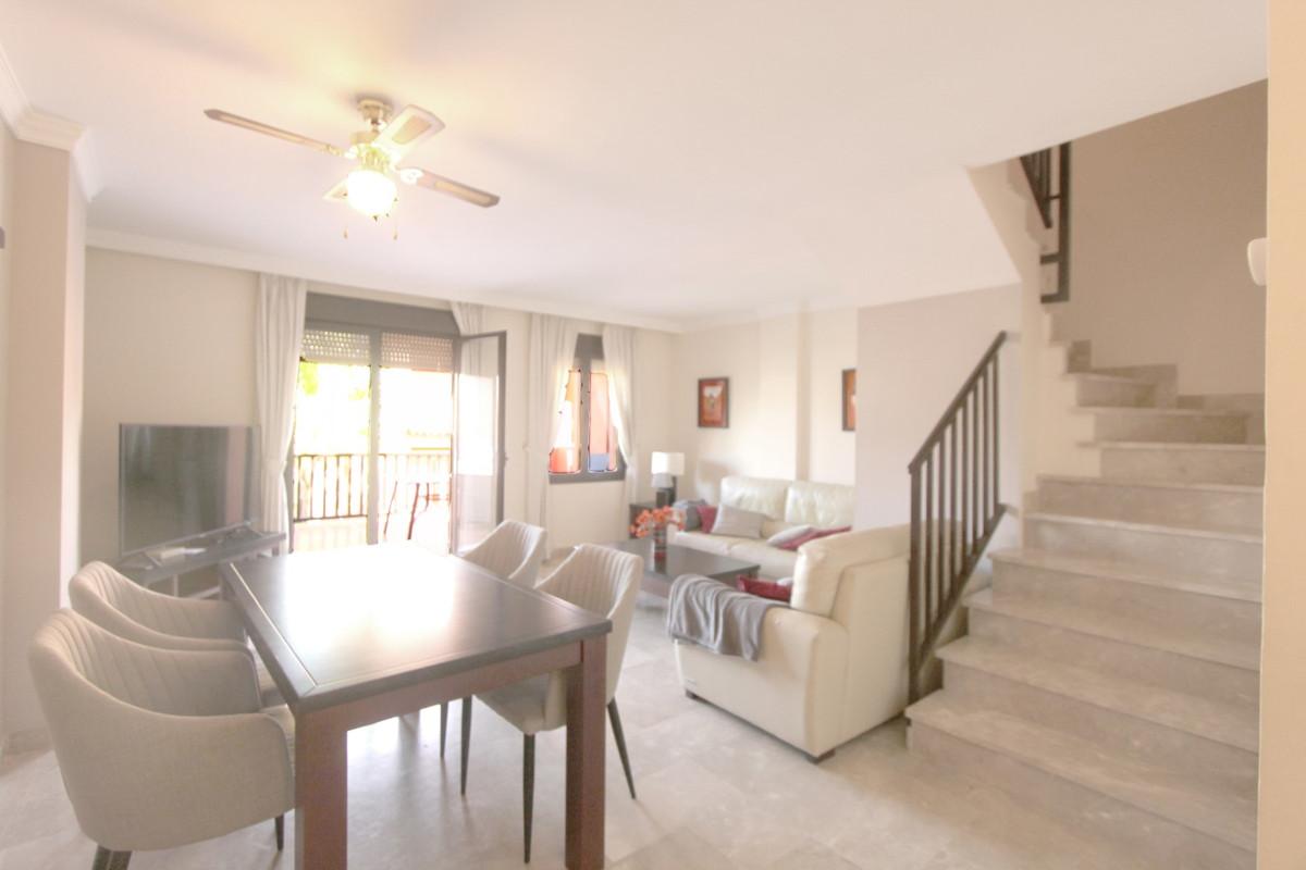 Apartment in Estepona R3526477 12