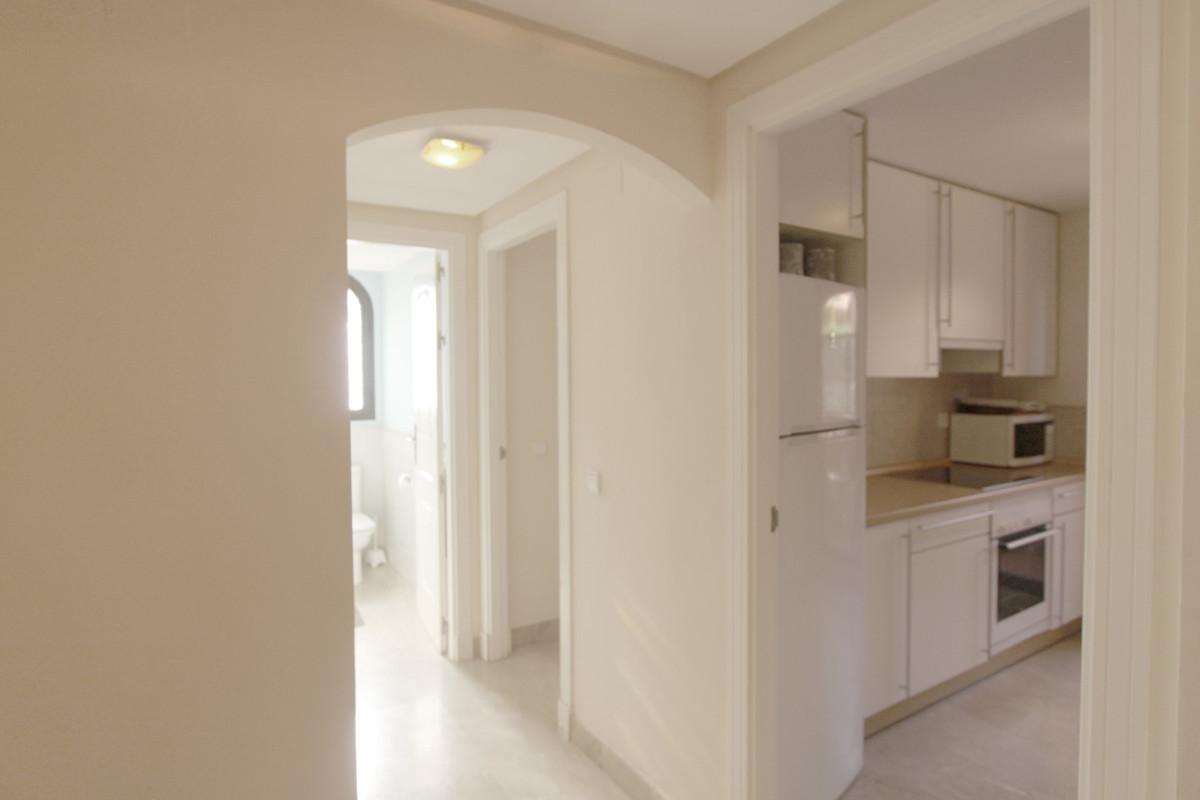 Apartment in Estepona R3526477 15